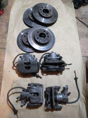 Передние суппорта, диски тормозные. Opel Vectra C Signum