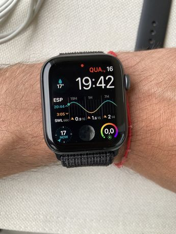 Apple Watch Series 4 44mm Space Grey