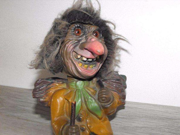 zabawka maskotka z ruchomą głową