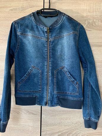 Kurtka jeansowa - rozmiar M