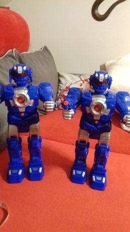 dwa roboty interaktywne 38cm