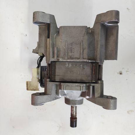Двигатель  стиральной машины мотор коллекторный whirlpool