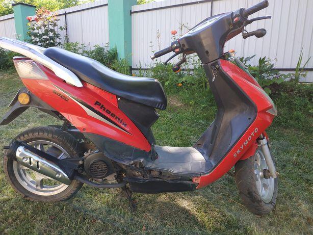 Продається скутер, мотор в відмінному стані, в наявності техпаспорт.