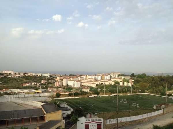 T2 solarengo com vista ampla para o rio Tejo