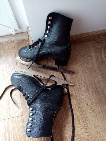 Buty z łyżwami dla dziecka