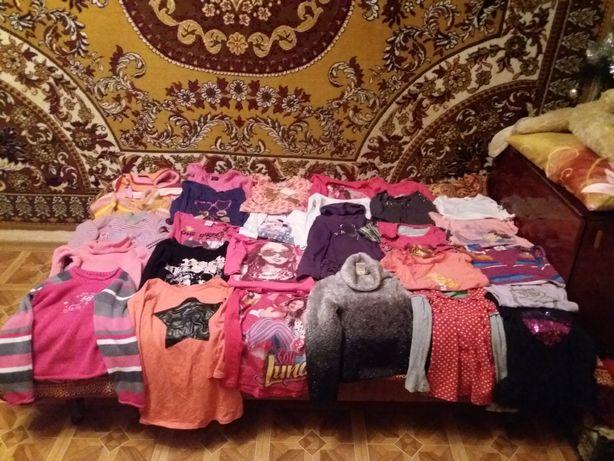 Продам не дорого детские вещи в очень хорошем состоянии.