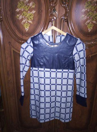 Вязанная кофта с платьем