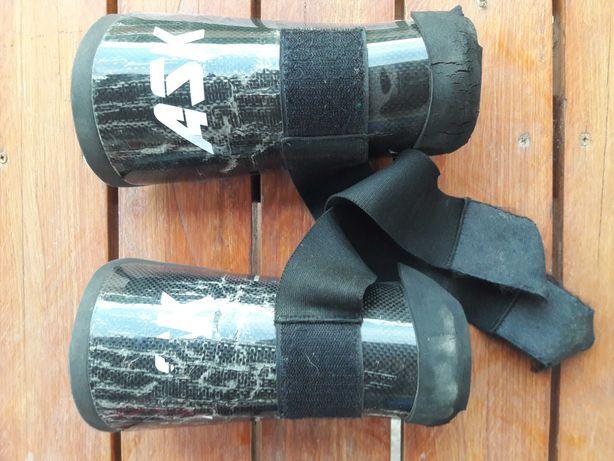 Caneleira de carbono para hóquei  em patins