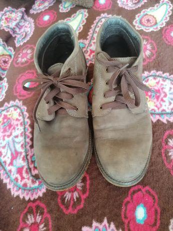 Продам ботинки по дешовке