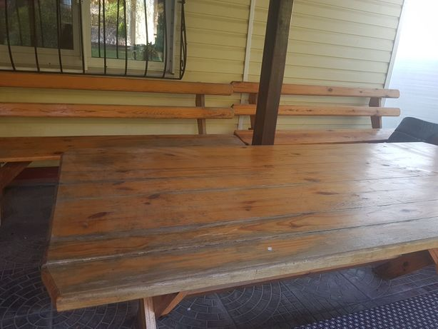 Стол и 2 скамейки