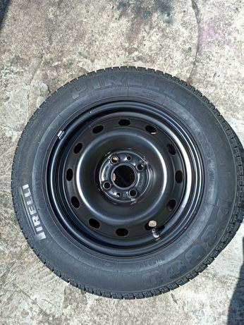 Nowa opona z felga Pirelli 175/70 R14 z Fiata Albea