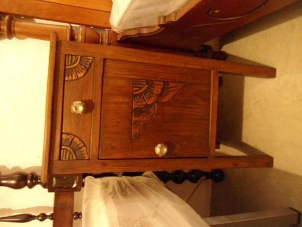 Mesa de cabeceira (antiguidade)