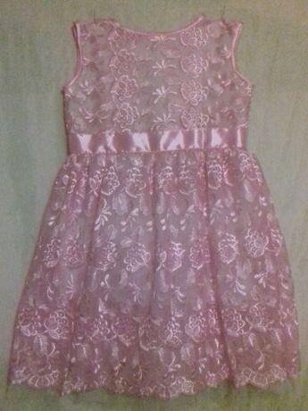 Продам нарядное платье для девочки 6-7 лет