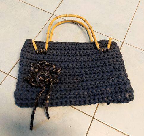 Mala artesanal estilo vintage azul escura