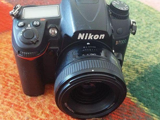Продам Nikon d7000 с тремя объективами