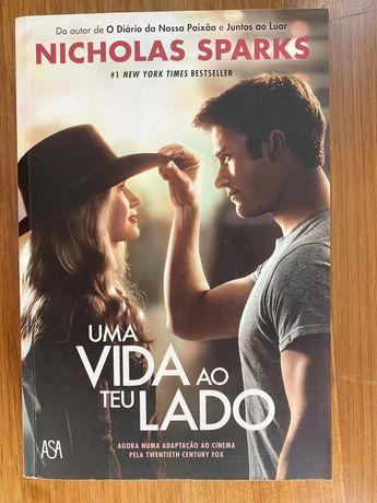 """Livro """"Uma vida ao teu lado"""", Nicholas Sparks"""