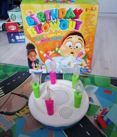 Gra Birthday blowout, tort urodziny świeczki
