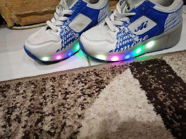 Светящиеся ролики кроссовки 20см