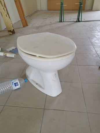 Sanita usada em bom estado