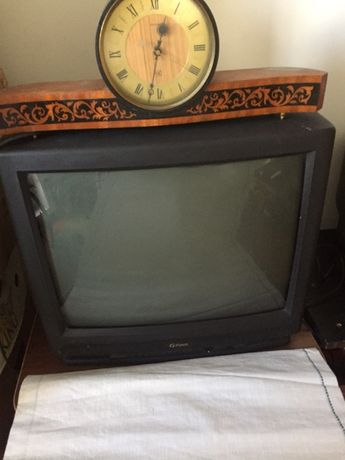 продаю телевизор FUNAI