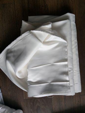 Satyna ecru gruba na suknię ślubną 6 m
