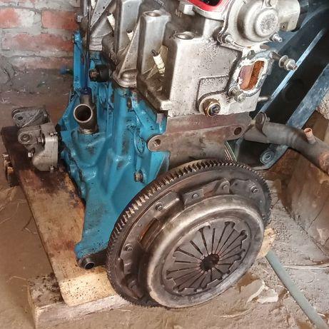 Двигатель 2110 2112 1.6 8кл инжектор Блок двигателя 2110 ГБЦ, КПП 2110