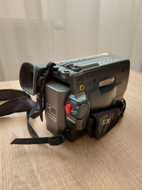 Продаётся видеокамера Samsung VP l710