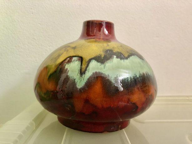 Lindo vaso feito à mão - Cerâmica