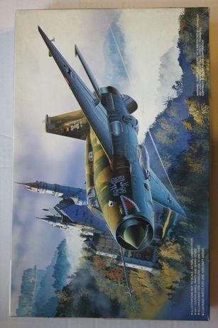 model do sklejania samolotu MiG 21MF German MiG 1:72 Fujimi 35126