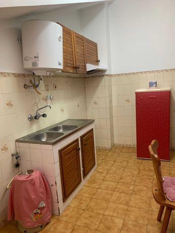 Arrendamento de Apartamento T2 na rua Santa Catarina, 19