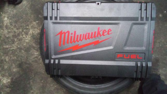 Walizka skrzynka narzedziowa. Milwaukee variobox nowa box