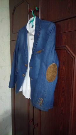 Пиджак джинсовый мальчуковый,школьный.