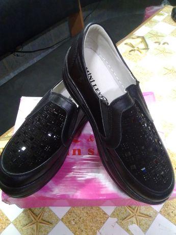 Крутые туфли, лоферы, слипоны