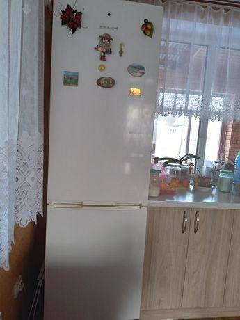 Продам холодильник Snaige двохкамерний