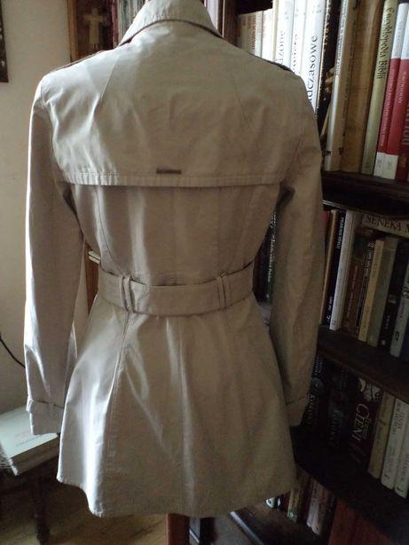 Śliczny płaszcz trencz GUESS r.XS