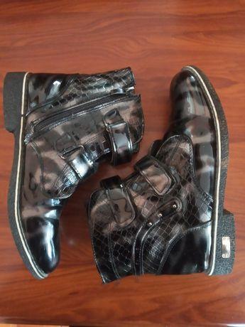 Чобітки,черевички,сапоги демисезон 36-37р