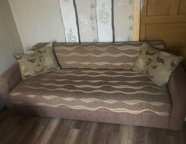 Продається диван в гарному стані