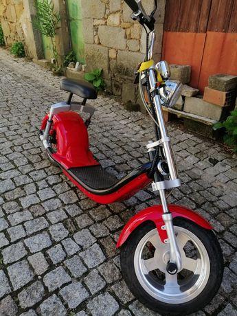 Scooter elétrica 2000w bem estimada