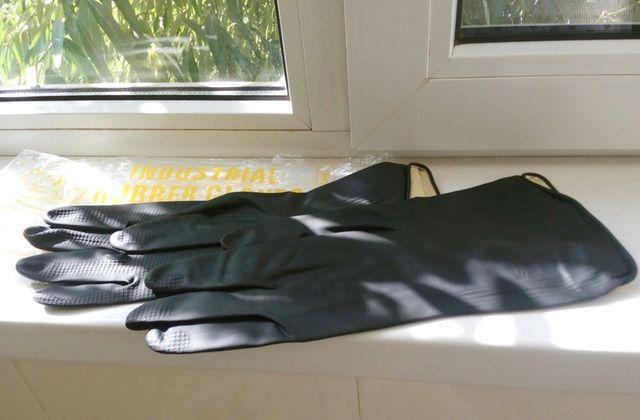 Перчатки резиновые для технических работ