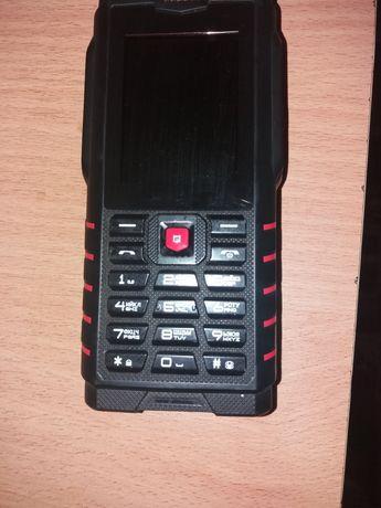 Продаю почти Новый Телефон-Рация-Фонарик.  (ОЧЕНЬ ДЕШЕВО )