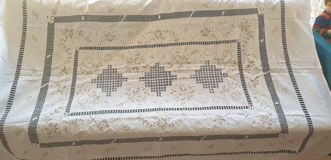 Obrus mereżka ręcznie wyszywany haftowany