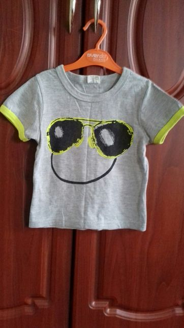 Продам набор футболок 2 ед за 100 грн. Возраст 2,5-4 года.