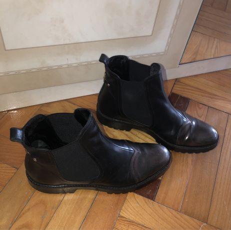 Осенние ботинки Guess