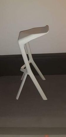 Nowoczesne Krzesło, Hoker model Shark