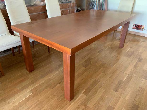 Mesa e Cadeiras de Design