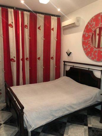 продам 1 комнатную квартиру в центре Киева(возможен обмен на Ялту)