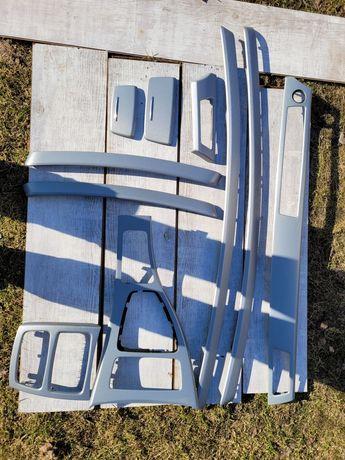 Dekory / Listwy ozdobne/ nawiewy/ wnętrze do BMW E92