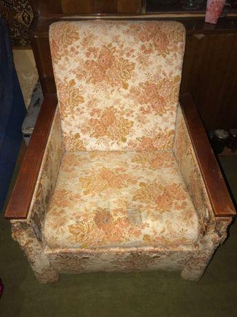 Продам 2 кресла под перетяжку