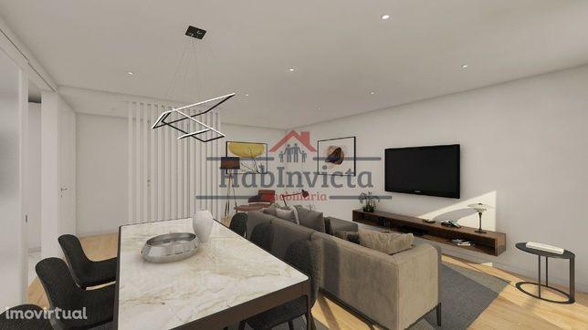 Apartamento T3 Novo c/ Varanda e Garagem Box junto à Praia e Metro | M