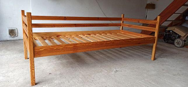 Łóżko pojedyncze, drewniane